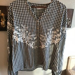 ZARA gingham long sleeve embroidered blouse EUC